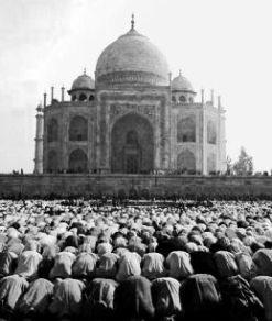 Id Namaz, Taj India